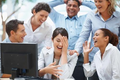 Como promover a diversão no trabalho?